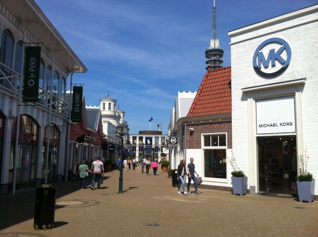 Batavia Stad Fashion Outlet - аутлет в окрестностях Амстердама