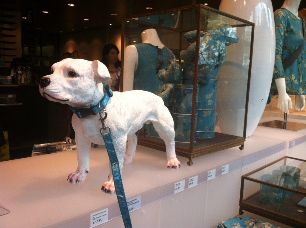 Что привезти из Голландии: сувениры из музея Ван Гога