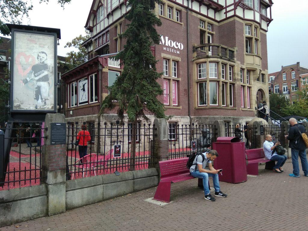 Музей современного искусства MoCo (Modern Contemporary) в Амстердаме