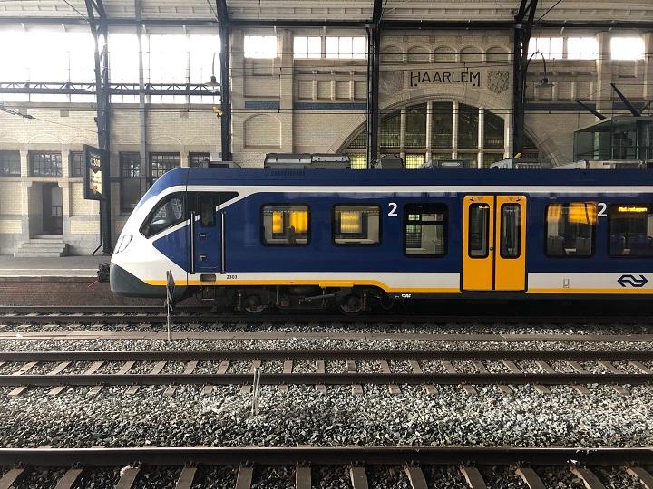 Поезда в Голландии: sprinter, 2-й класс