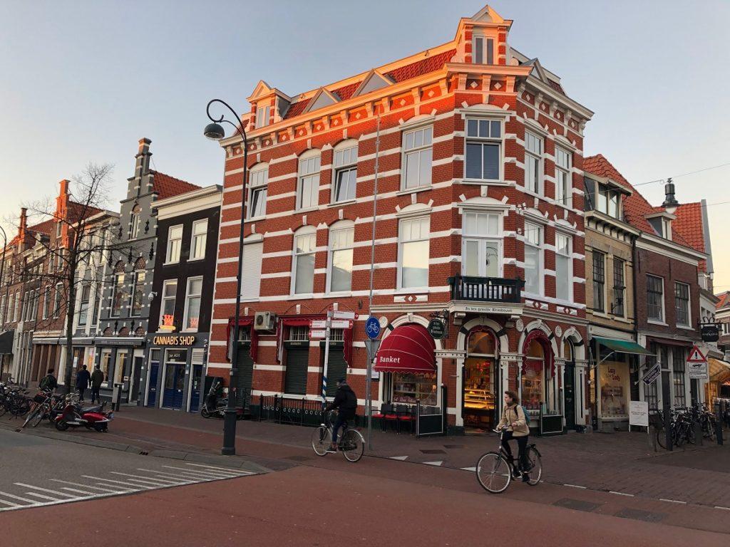 Харлем (Нидерланды): как добраться из Амстердама?