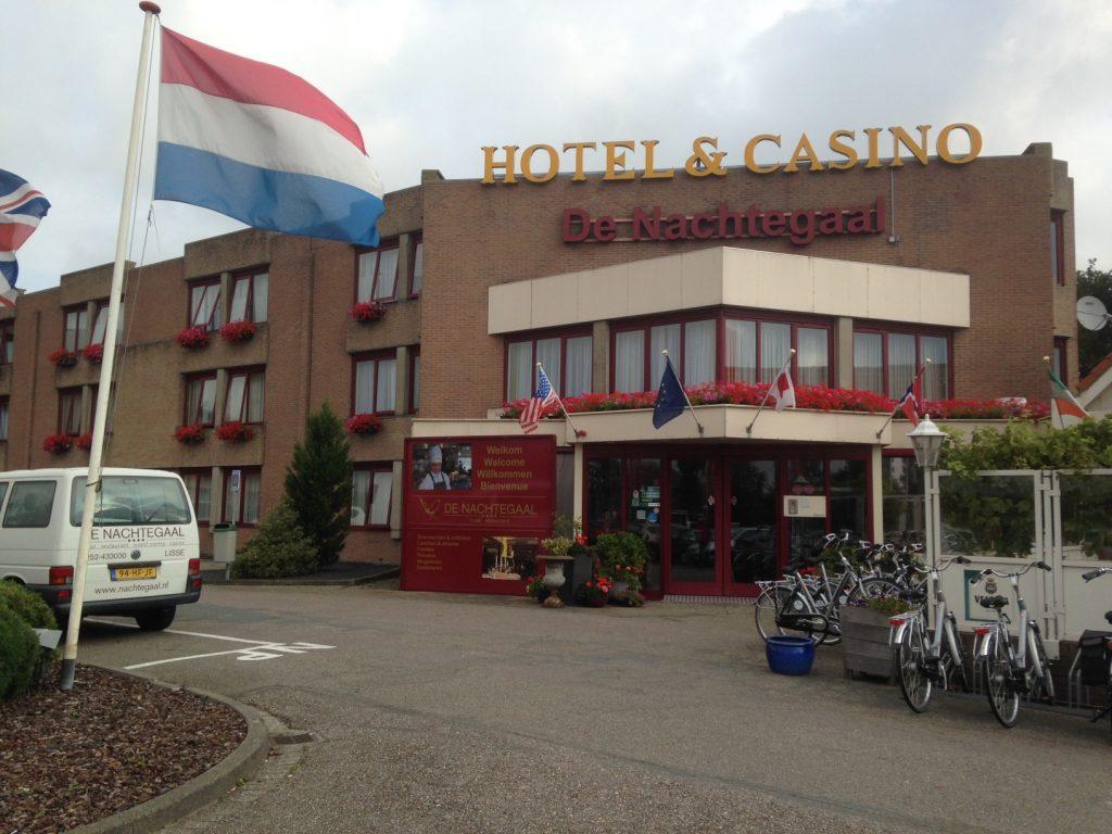 Отель De Nachtegaal возле парка Кекенхоф