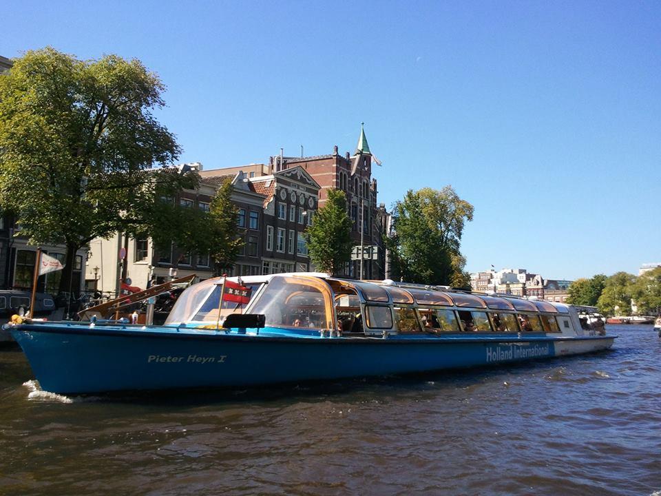 Экскурсии по каналам Амстердама