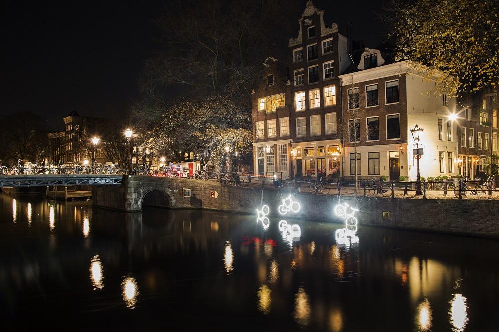 Amsterdam Light Festival 2016 - 15000 and more - Studio klus - Copyright Janus van den Eijnden-1000