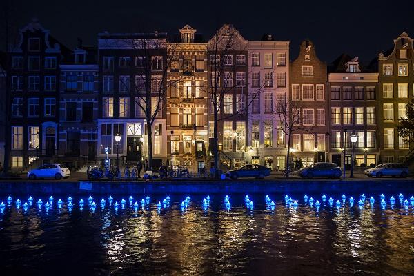 Amsterdam Light Festival 2017 - Flower Strip - Aether & Hemera - Copyright Janus van den Eijnden