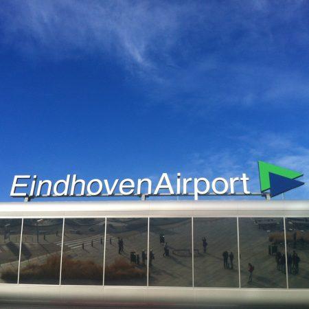 Как добраться из аэропорта Эйндховена до Амстердама?